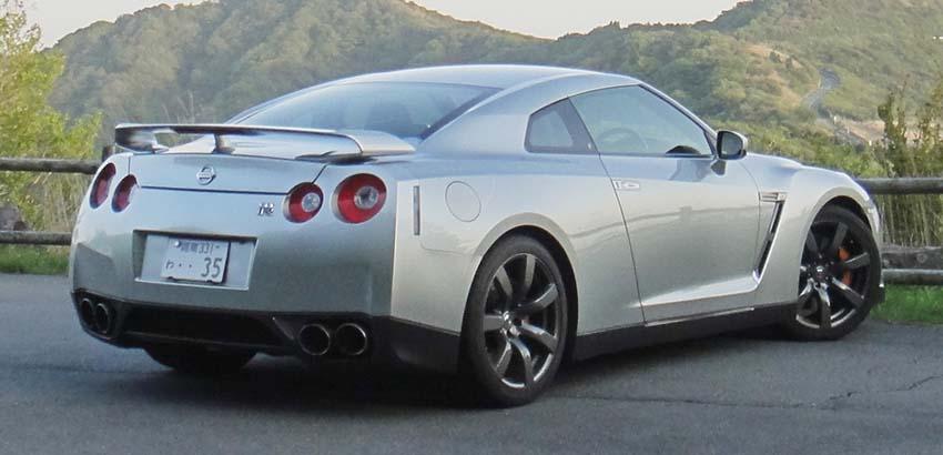 GTR R35 後面